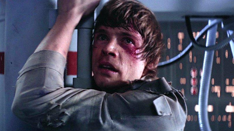 Mark Hamill ha ritrovato la mano di Luke Skywalker. La foto su Twitter!